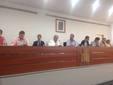 El peri�dico de aqu� -El alcalde, el secretario y concejales en el pleno. EPDA