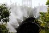 El peri�dico de aqu� -Imagen de una fumigaci�n. FOTO: EPDA