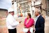 El peri�dico de aqu� -La alcaldesa visita les obres. EPDA