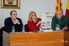 El peri�dico de aqu� -A la derecha, Amparo Ma�� y un concejal de IPC. FOTO EPDA