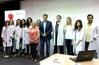 El peri�dico de aqu� -Foto de grupo de los profesionales con el alcalde y la concejala. FOTO: DIVAL