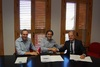 El peri�dico de aqu� -Tolosa, en la firma del convenio con el resposable de Carrefour