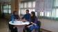 El peri�dico de aqu� -Sampedro y Almi�ana con el presidente de la Asociaci�n de Vecinos de Baladre. EPDA