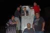 El peri�dico de aqu� -El equipo de EU de Gilet en la pegada de carteles. EPDA