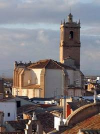 El peri�dico de aqu� -Vistas de la iglesia de Utiel. EPDA