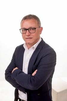El peri�dico de aqu� -Alberto Gradol�, candidato a la alcald�a de Catarroja. FOTO: DIVAL